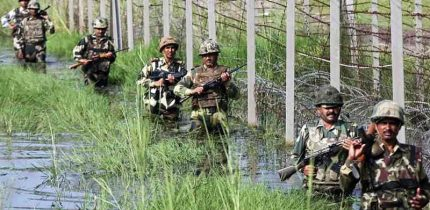 Pakistan fires, crushed Hamlets,BOPs near International Border in Jammu district, six injured