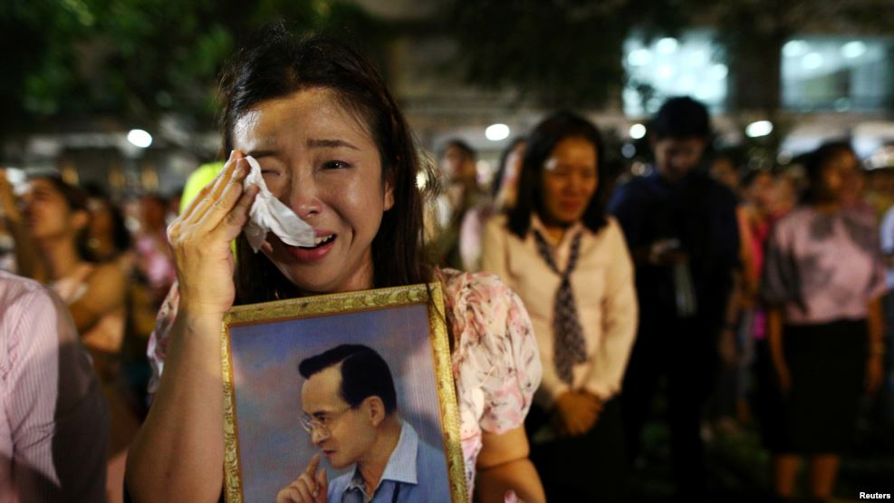 Thais mourn loss of beloved King Bhumibol