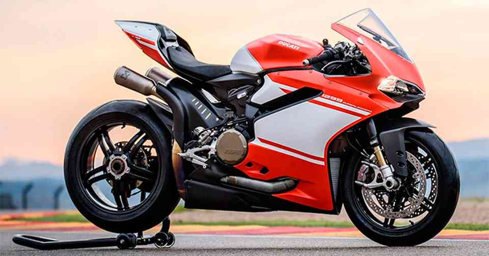 ducati 1299 superleggera superbike is finally official in india