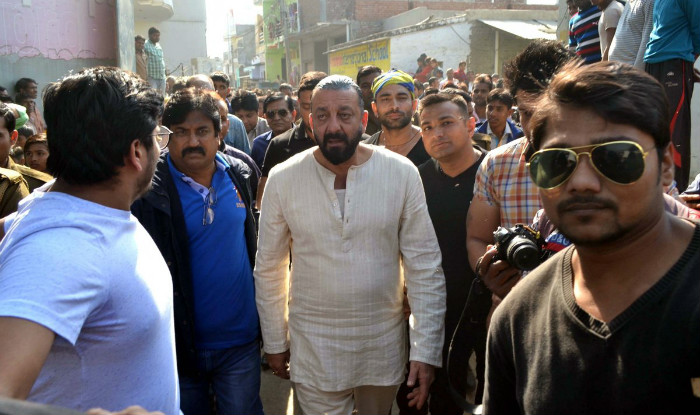 Bollywood Actor Sanjay Dutt again traps in legal trouble as a journalist files case against him