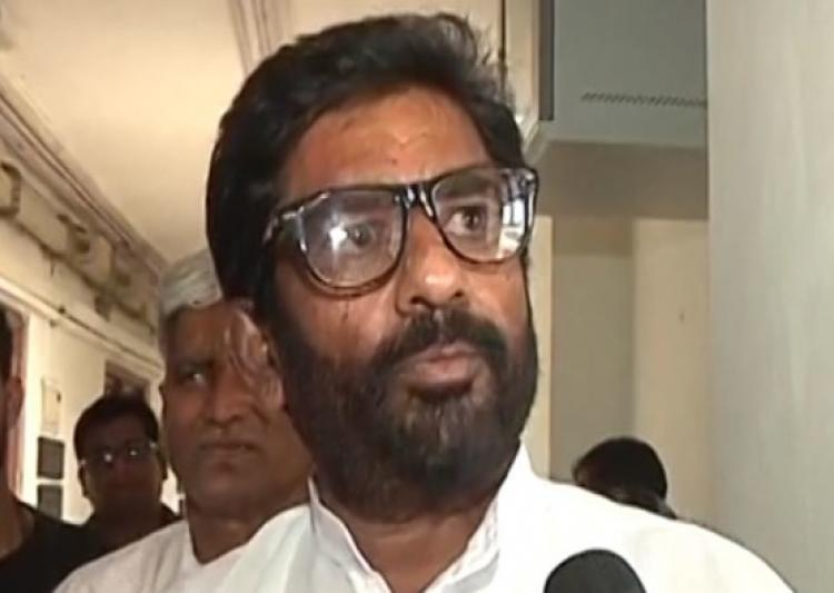 Ravindra Gaekwad fly ban: Shiv Sena protects him, says Airline companies behaving like goons