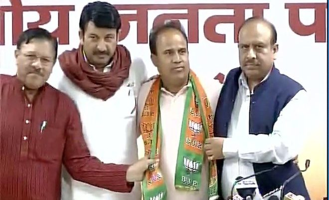 AAP MLA Ved Prakash Joins BJP and would resign from government-run bodies
